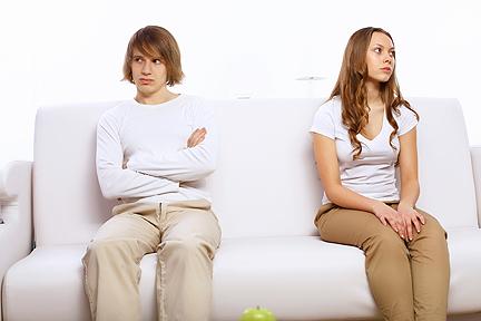 angry teen couple_SM